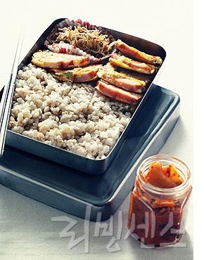 보리밥 + 햄 지짐+멸치 볶음