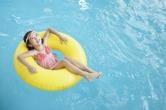 아토피 피부염 아이, 수영장 물놀이 해로울까요?